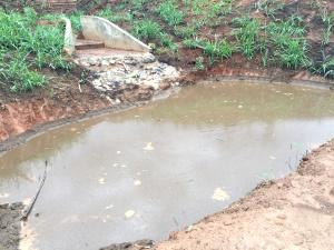 Barraginha - retenção de água na área erosada