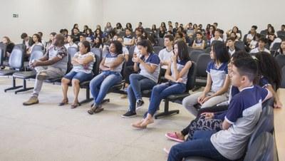 Estudantes durante encerramento ONHB 2019