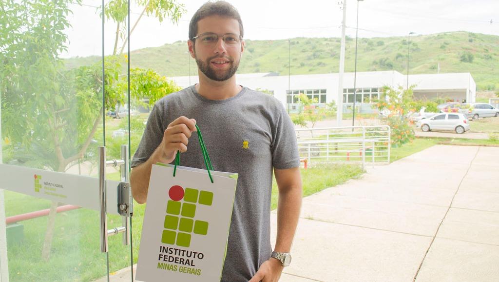 Vinícius Batista - calouro de Engenharia de Produção.jpg