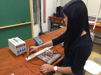 No laboratório da USP - Campus São Carlos, durante pesquisa da graduação em Física
