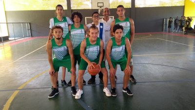 Equipe de Basquete Masculino do IFMG Ouro Branco.