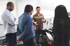 Servidores do Campus Ouro Branco realizam visita na Hindalco Brasil
