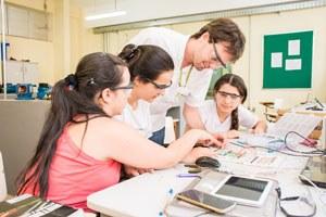Ensino técnico - laboratório