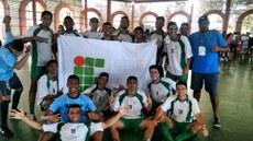Alunos de São João Evangelista premiados no futebol
