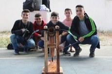Competição de catapultas mobilizou alunos do Campus