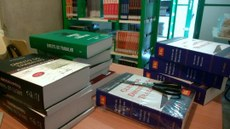 biblioteca no caic.jpeg